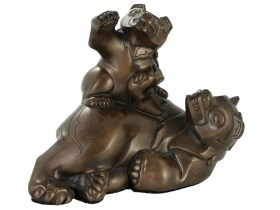Bronze sculpture of Native Bear and her cub by BOMA